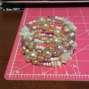 Women's pearl bracelet